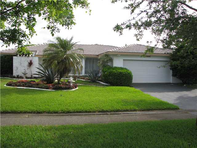8585 Shadow Wood # BL, Pompano Beach, FL 33071