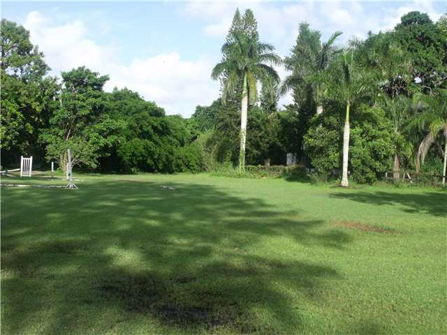 3 acres in Davie, Florida