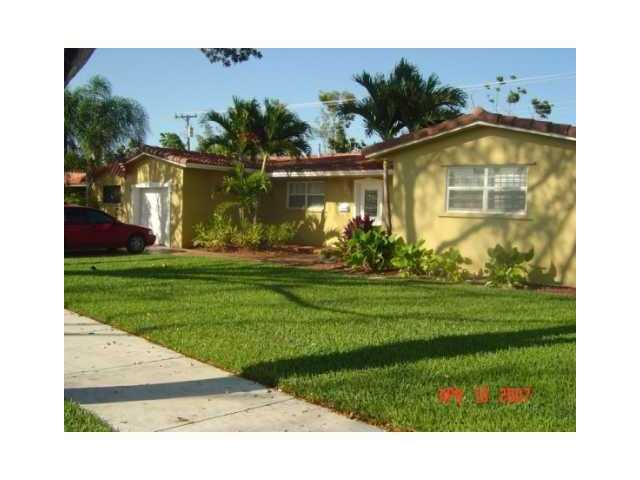 14355 Lake Candlewood Ct, Miami Lakes, FL 33014