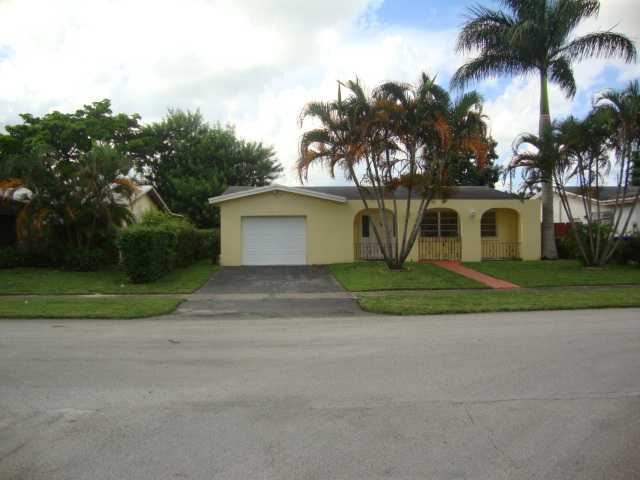 7313 Allen Dr, Hollywood, FL 33024