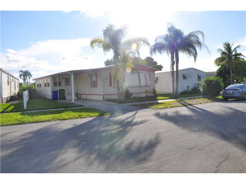 21768 NW 6th St, Pembroke Pines, FL 33029