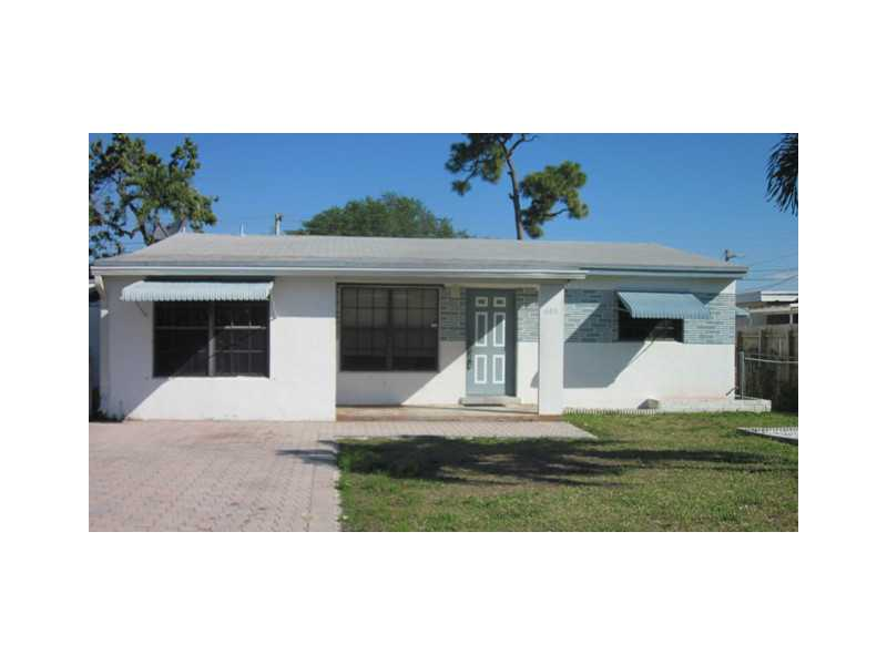 6413 Dewey St, Hollywood, FL 33023