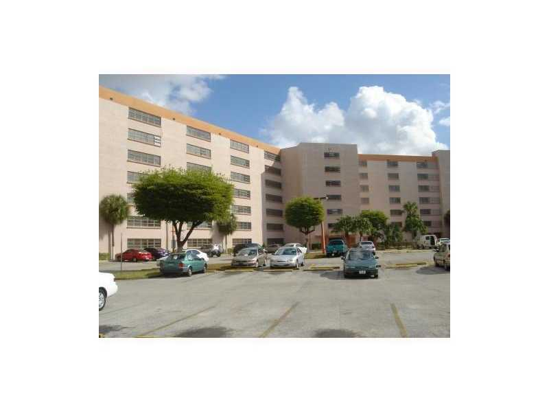 Rental Homes for Rent, ListingId:27780645, location: 9688 FONTAINEBLEAU BL # 602 Miami 33172
