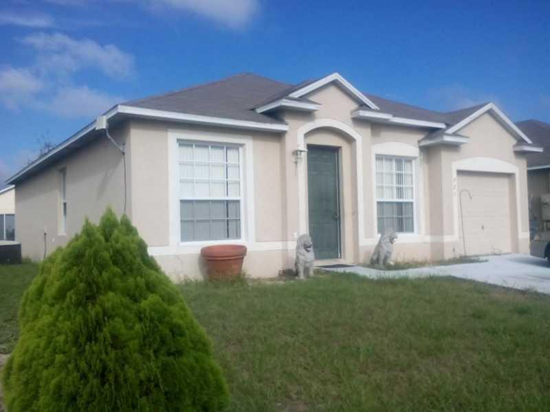 721 Madina Cir, Davenport, FL 33837