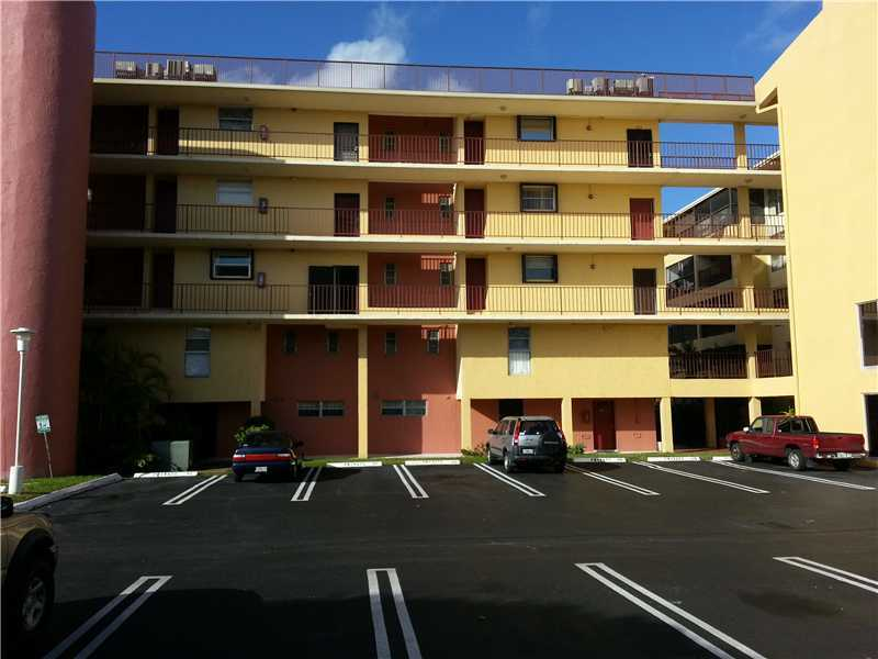 Rental Homes for Rent, ListingId:30048094, location: 8775 PARK BL 414 Miami 33172