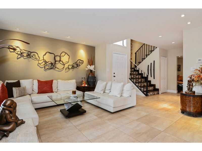 Real Estate for Sale, ListingId: 30157677, Hollywood,FL33021
