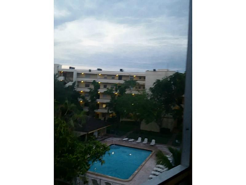 4111 Stirling Rd # 407, Fort Lauderdale, FL 33314