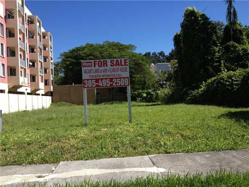 1035 NW 10th Ct, Miami, FL 33136