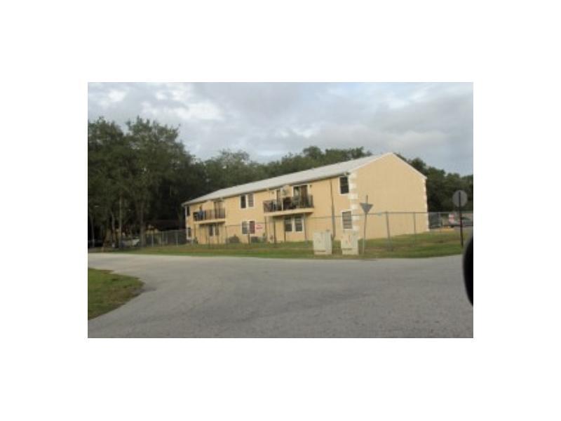 12201 N 58th St # 8, Tampa, FL 33617