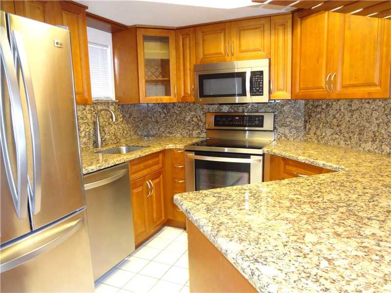 Rental Homes for Rent, ListingId:31532928, location: 8255 LAKE DR 407 Doral 33166