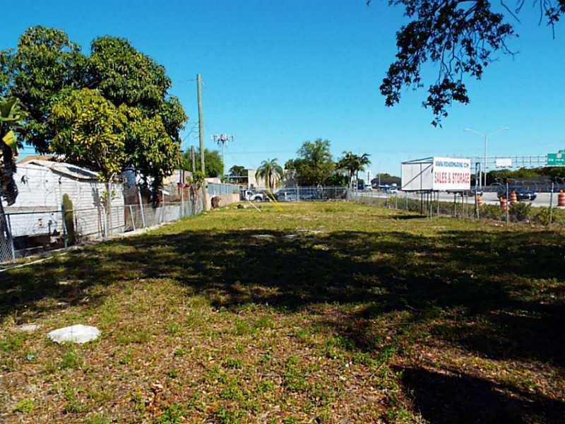 677 Nw 99th St, Miami, FL 33150