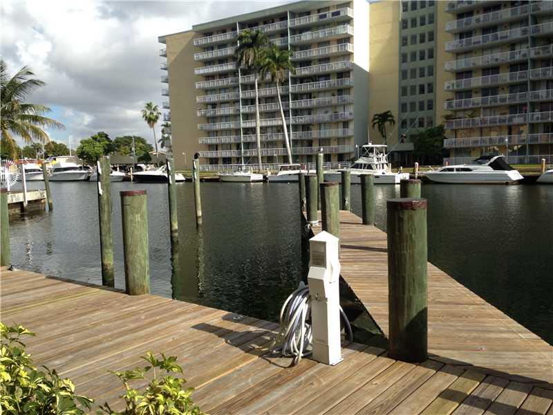2415 NW 16 Slip # 3, Miami, FL 33125