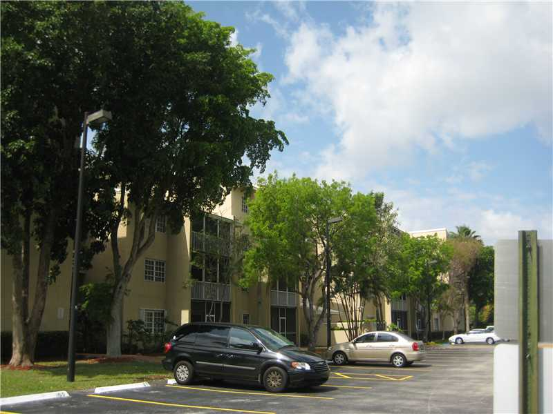Rental Homes for Rent, ListingId:33029244, location: 21133 SW 85 AV 211 Cutler Bay 33189