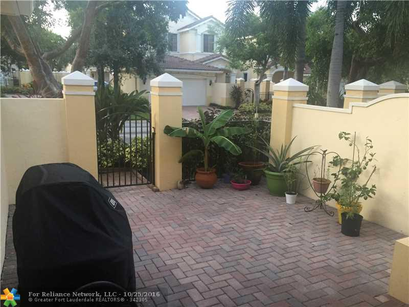 Condo/Townhouse - Weston, FL (photo 3)