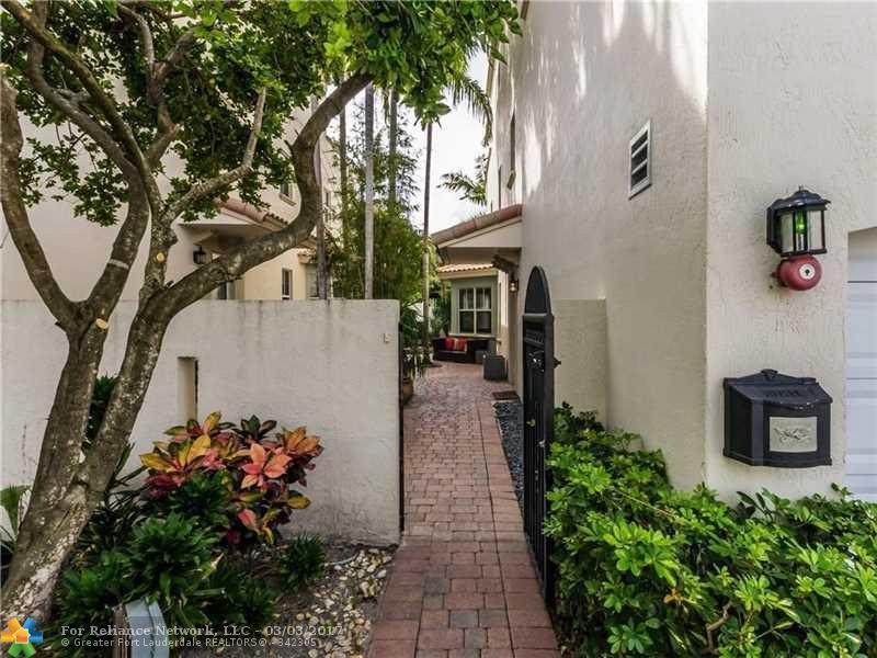 Condo/Townhouse - Fort Lauderdale, FL (photo 3)