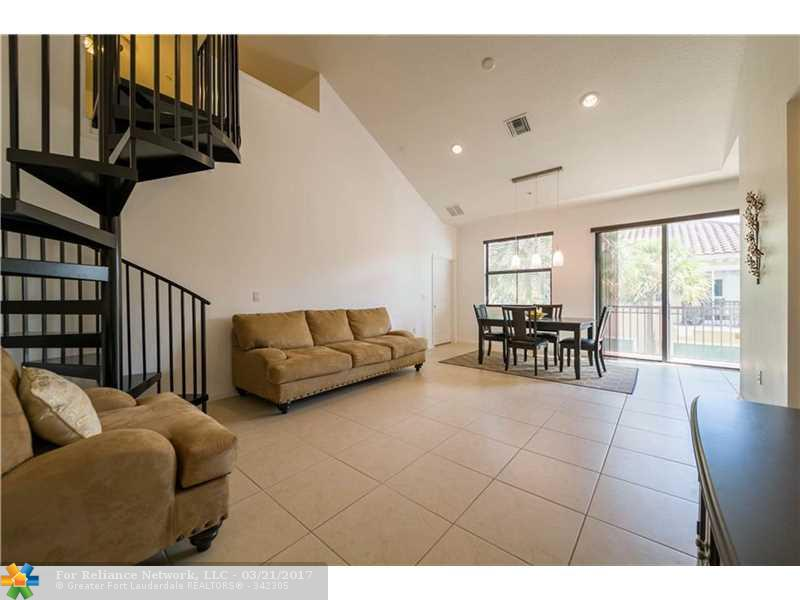 Condo/Townhouse - Sunrise, FL (photo 5)