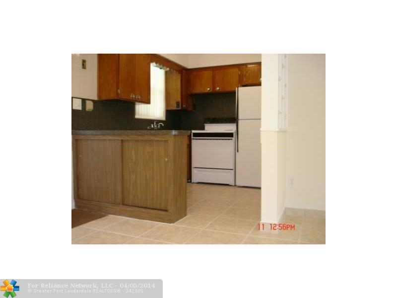Rental Homes for Rent, ListingId:27533254, location: 2640 PIERCE ST # 7 Hollywood 33020