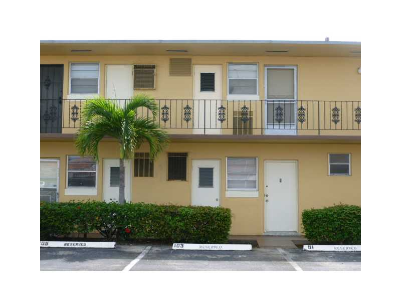 Rental Homes for Rent, ListingId:26949076, location: 2940 NE 203 ST C102 Aventura 33180