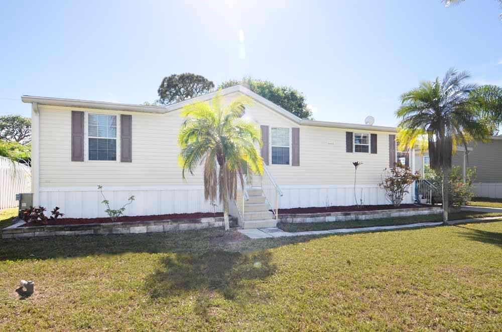 Photo of 2884 SE Croton Way  Stuart  FL