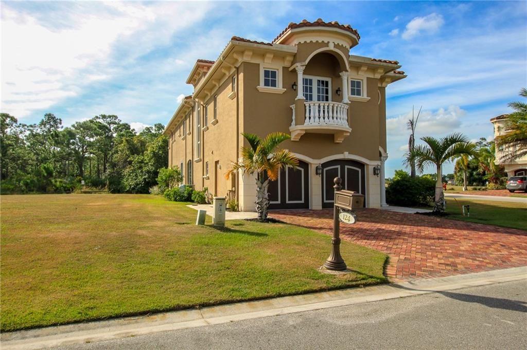 124 SE Cortile Pinero, Port Saint Lucie, Florida