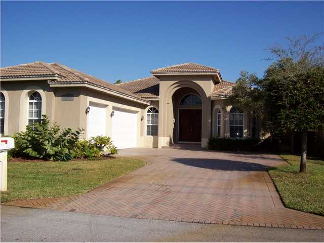 479 Pine Tree Ct, Lake Worth, FL 33462