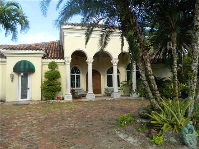 844 Marginal Rd, West Palm Beach, FL 33411