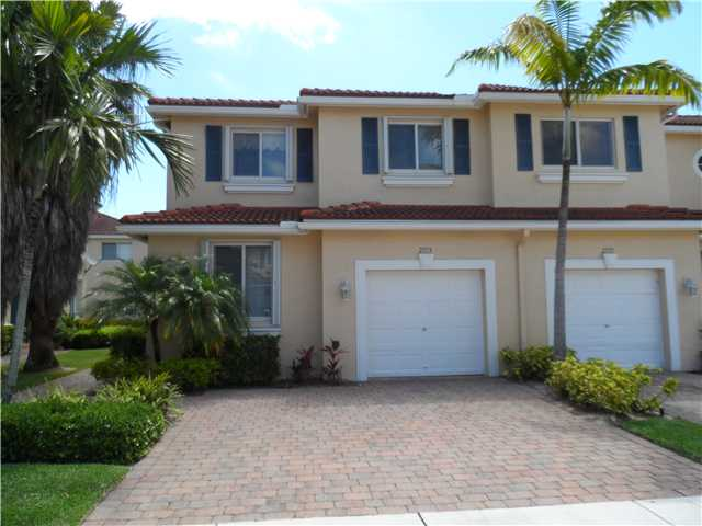 2773 S Evergreen Cir, Boynton Beach, FL 33426