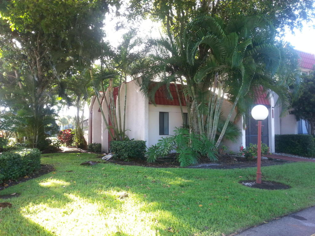 4374 Fountains Dr, Lake Worth, FL 33467
