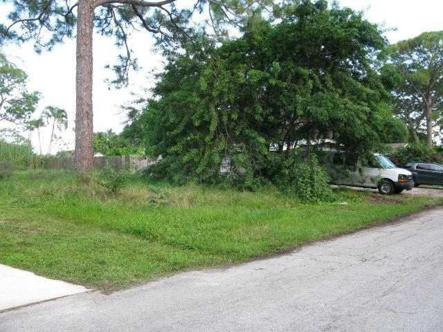 Land for Sale, ListingId:30403183, location: Xxxx SW FEROE Avenue Palm City 34990