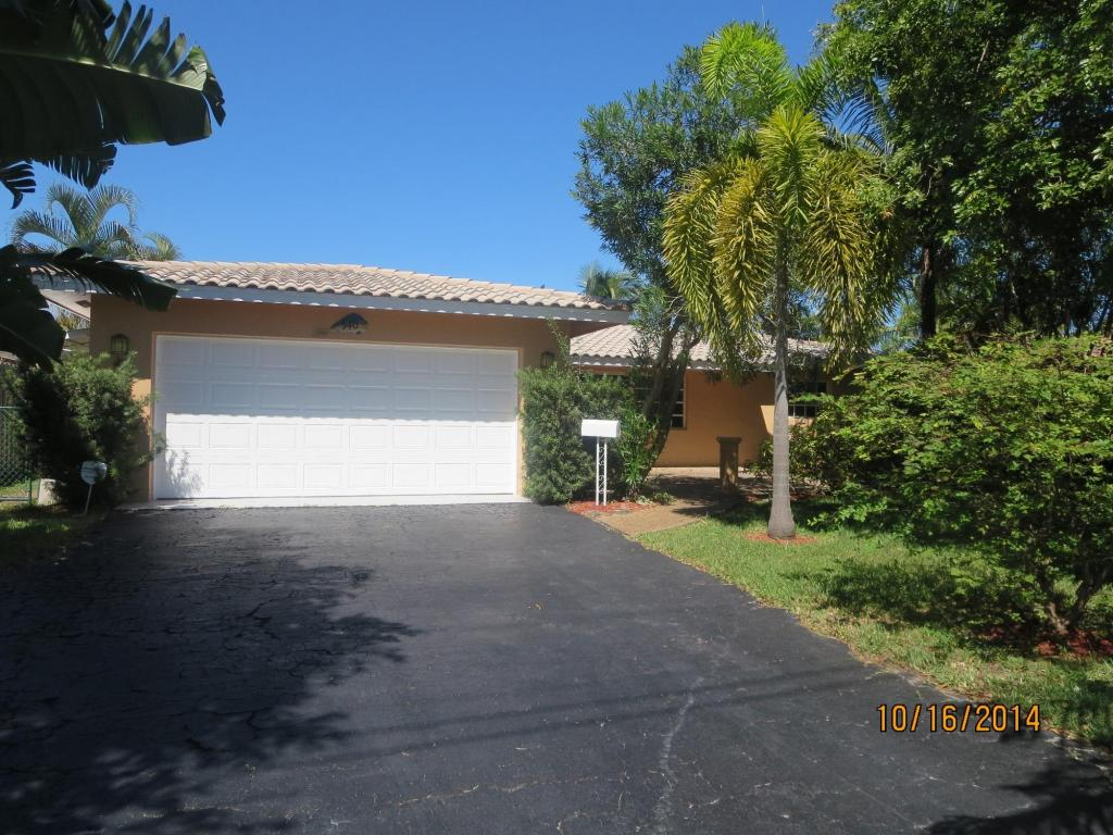 One of Pompano Beach 3 Bedroom Waterfront Homes for Sale