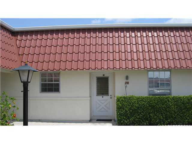 Rental Homes for Rent, ListingId:30962622, location: 111 Amherst Lane Unit 111 Lake Worth 33467
