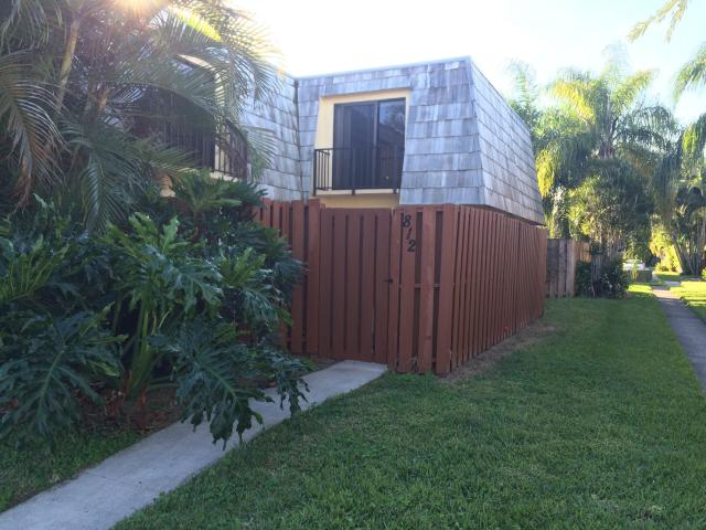 Rental Homes for Rent, ListingId:30969577, location: 812 Springdale Circle Palm Springs 33461