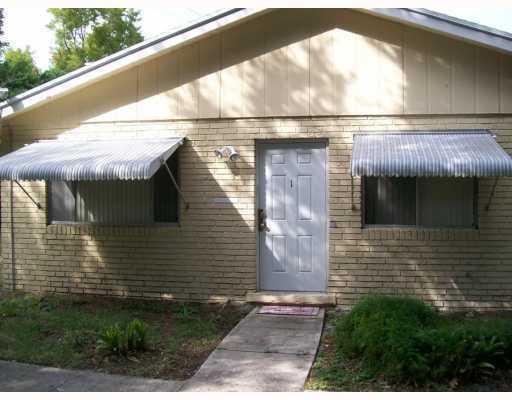 Rental Homes for Rent, ListingId:31441412, location: 802 W TIFFANY Drive Unit 1 West Palm Beach 33407