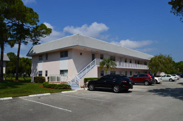 Rental Homes for Rent, ListingId:33400340, location: 18081 SE Country Club Drive Unit 22216 Tequesta 33469
