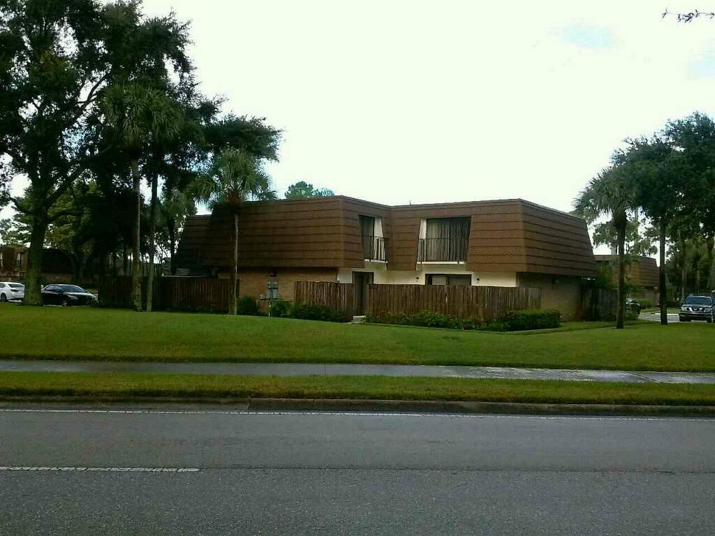 Photo of 130 Heritage Way  West Palm Beach  FL