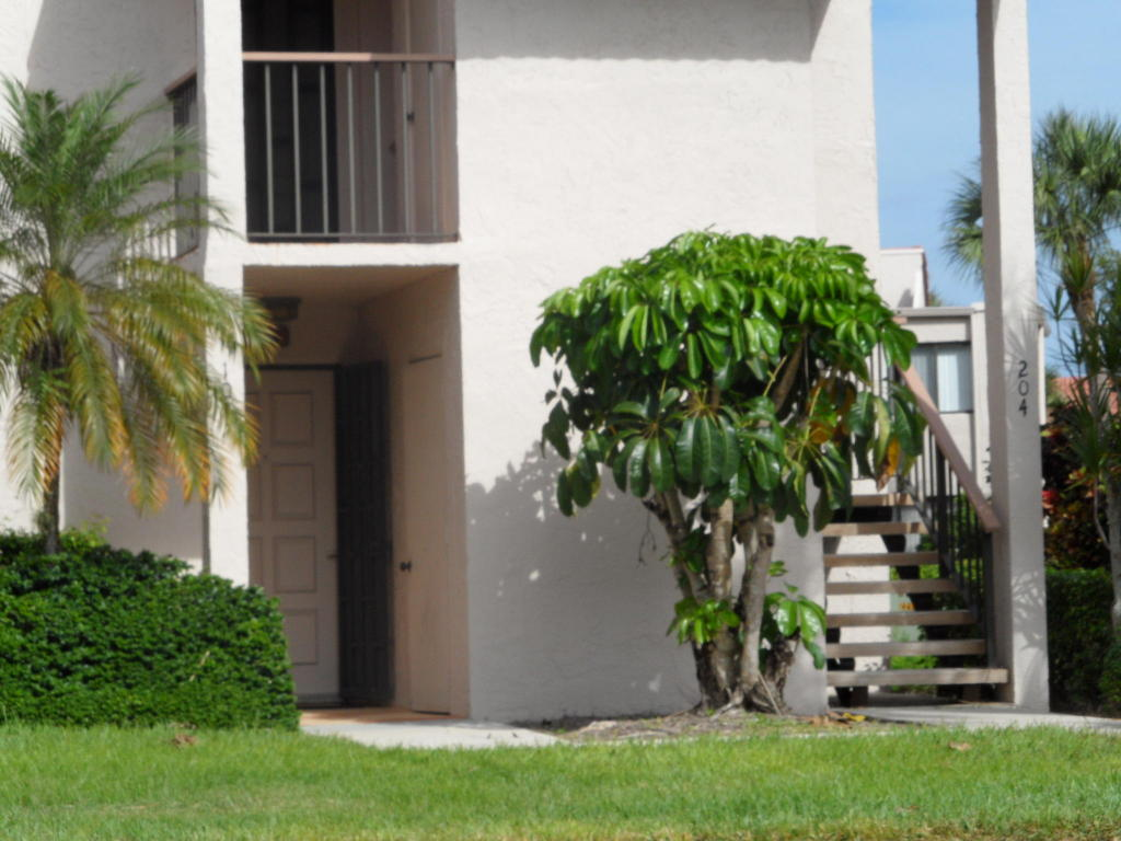 Photo of 5550 Fairway Park Drive Unit 104  Boynton Beach  FL