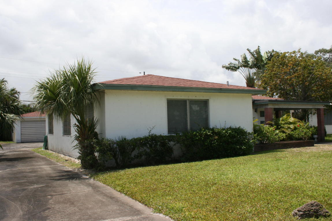 Photo of 132 Foresteria Drive  West Palm Beach  FL