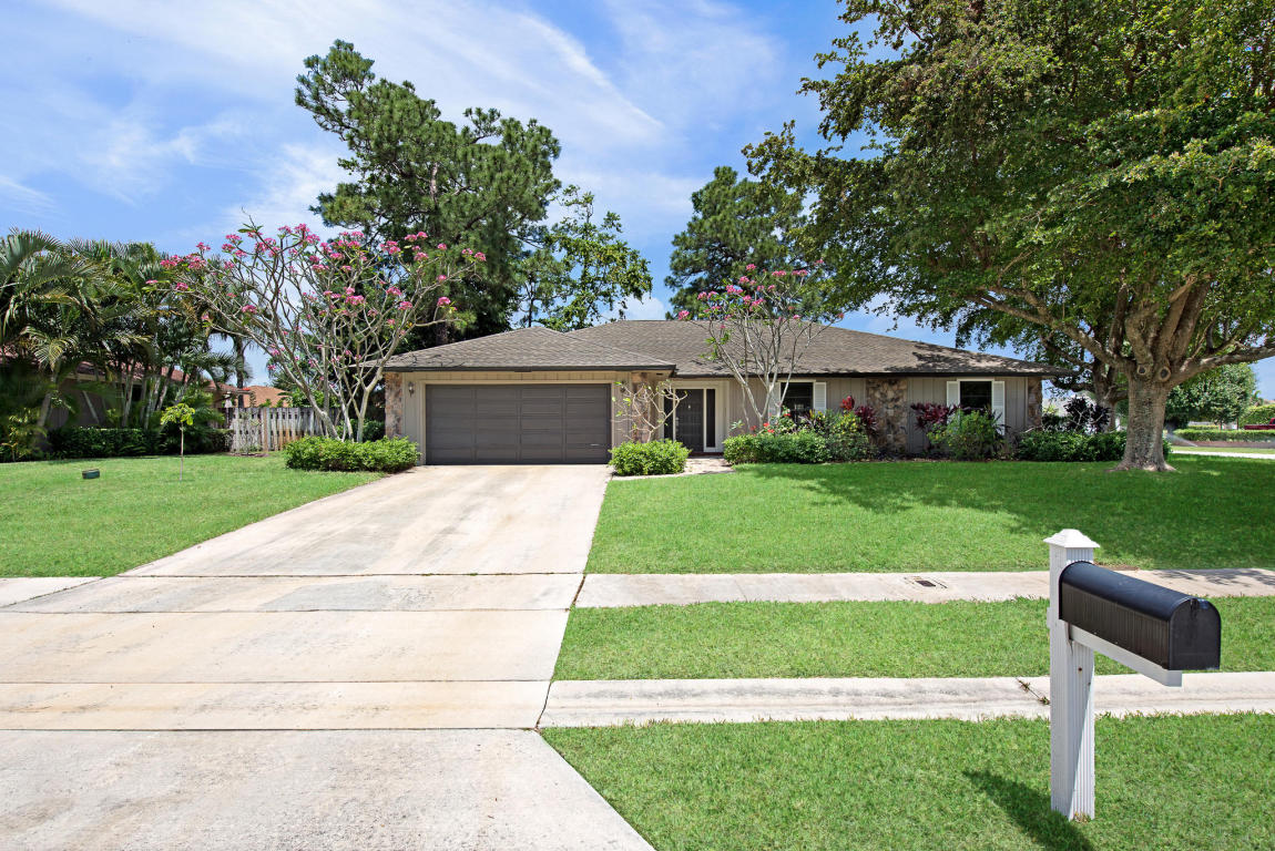 Single-Family Home - Haverhill, FL (photo 1)