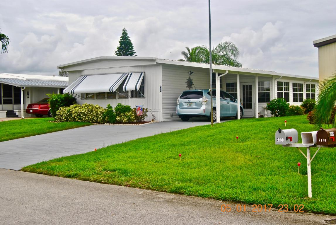Photo of 7118 SE Bluebird Circle  Hobe Sound  FL