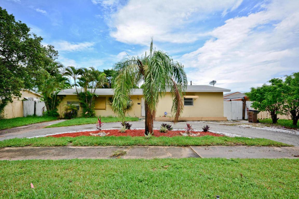 Photo of 811 Evergreen Drive  Lake Park  FL