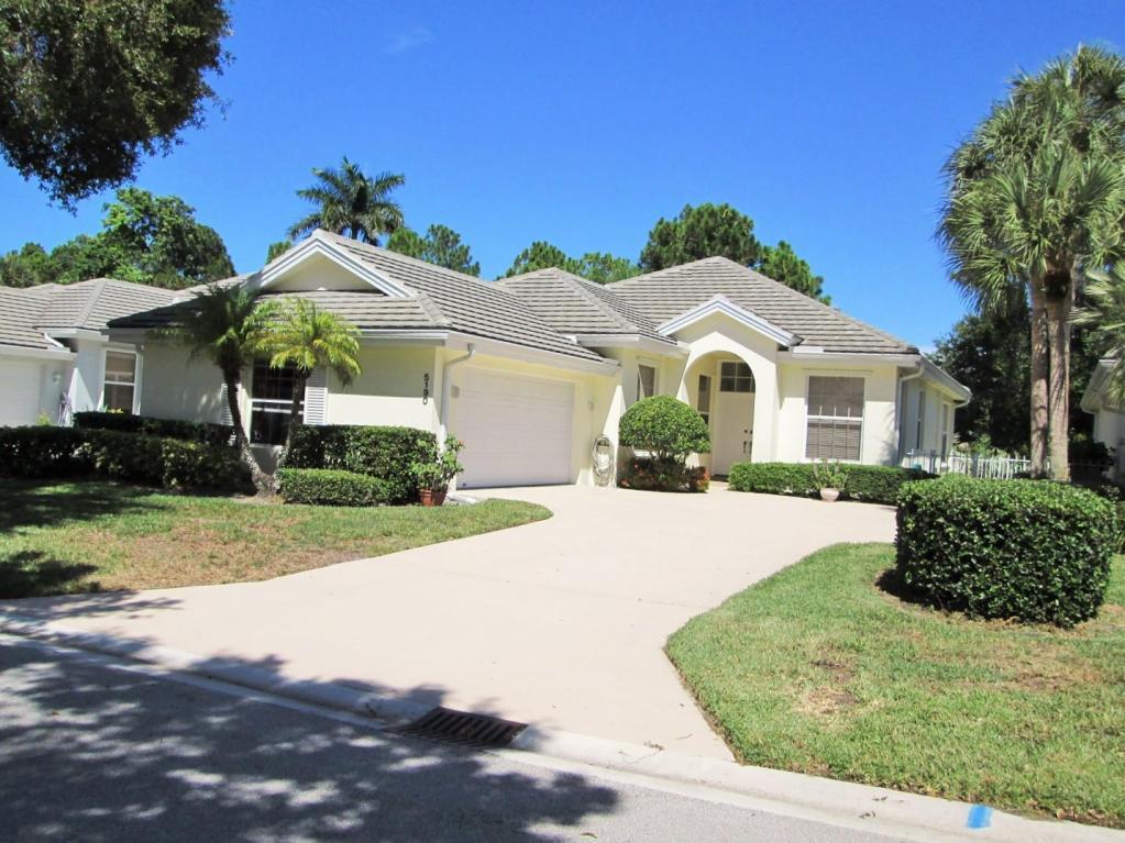 Single-Family Home - Hobe Sound, FL (photo 1)