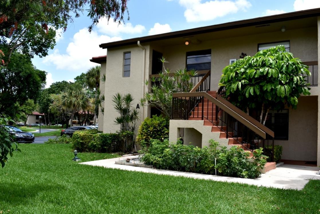 8315 Casa Del Lago Unit B, Boca Del Mar, Florida