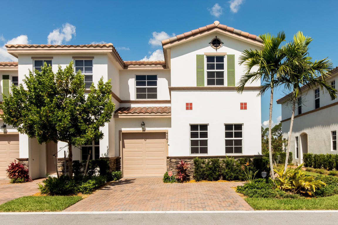 4561 Tara Cove Way West Palm Beach, FL 33417