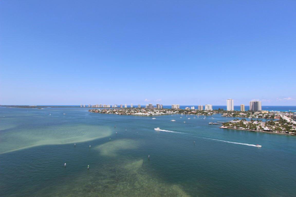 2640 Lake Shore Drive Unit 2215 Riviera Beach, FL 33404