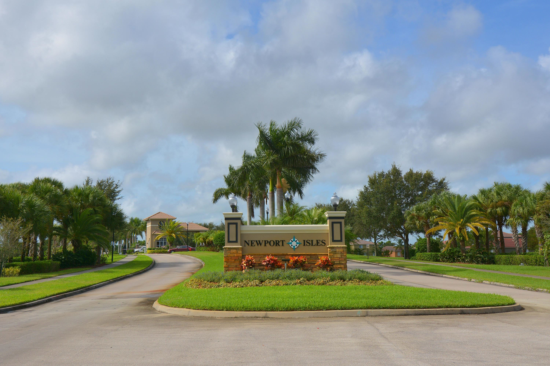 2611 Marshfield Court, Port Saint Lucie, Florida