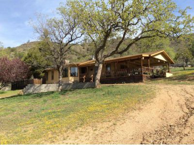 Photo of 21585 Pine Tree Rd  Caliente  CA
