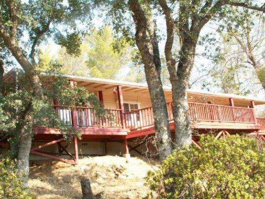 1481 Bristlecone Dr, Wofford Heights, CA 93285
