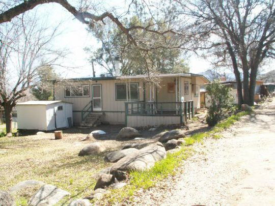 Photo of 102 S Lakeview Terrace  Wofford Heights  CA