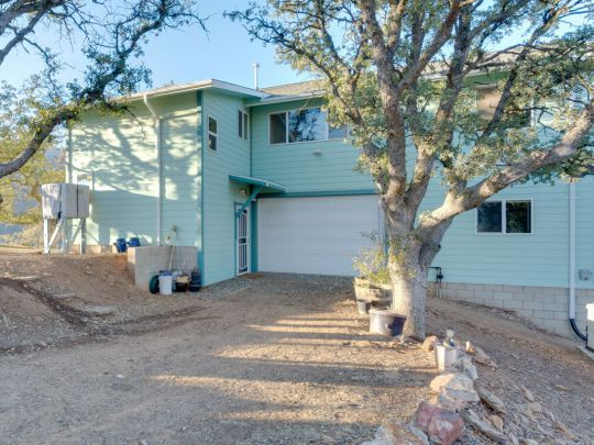 Photo of 2428 Stagecoach Dr  Caliente  CA