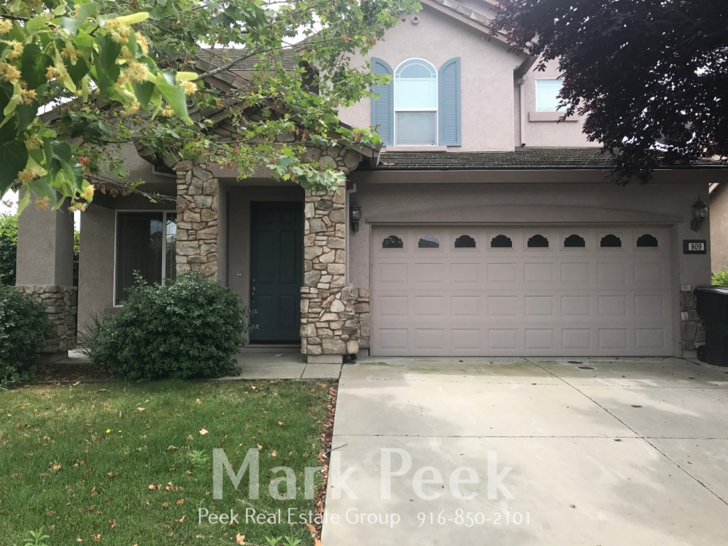 Photo of 809 Castaic Dr  Roseville  CA